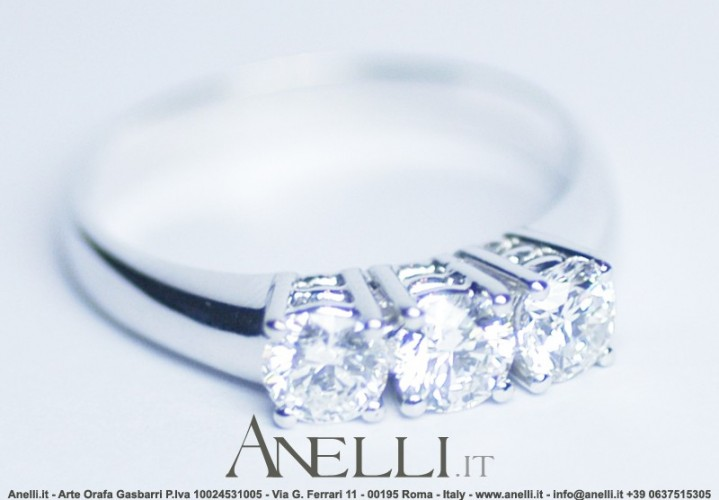 Anello Trilogy 0,54 carati G-VS1
