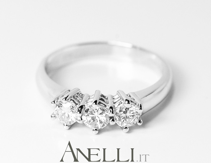 Anello trilogy 0,66 carati (F-IF)