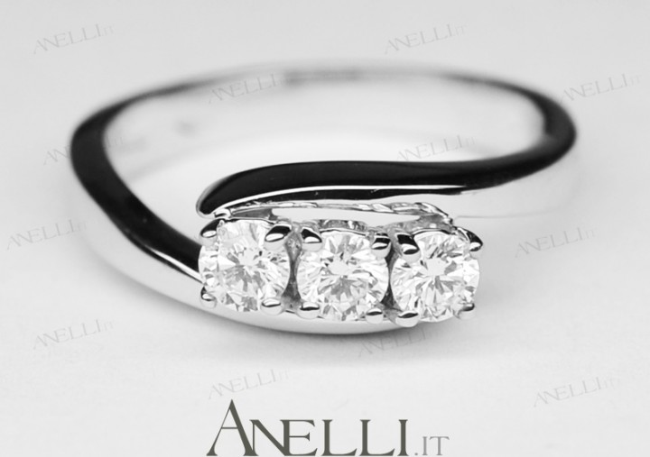 Anello Trilogy Diamanti 0,60 carati D-VS1