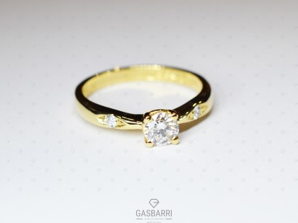 Anello Oro Giallo e Diamanti
