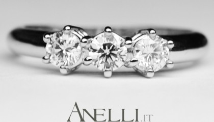 Anello Trilogy con Diamante 0,75 carati E-IF