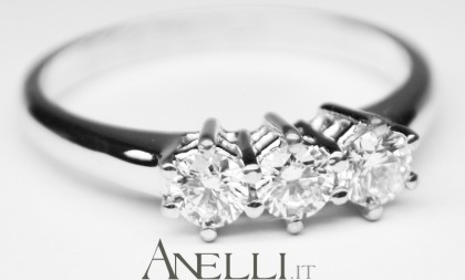 Anello Trilogy Diamanti 0,60 carati F-VVS1