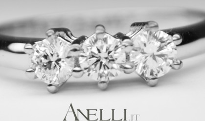 Anello Trilogy Diamanti 0,60 carati E-VVS1