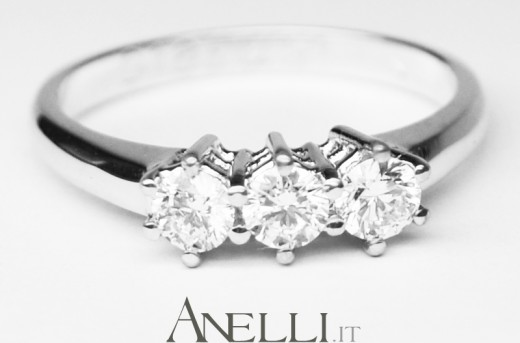 Anello Trilogy Classico 0,60 ct D-IF
